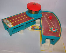 Vintage 1972 Fisher-Price Little People Play Family Airport #996 - Plastic