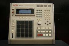 Akai MPC 3000 Integrated Rhythm Machine 16 Bit Drum Sampler MIDI Sequencer 120V