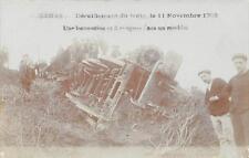 CPA 34 PEZENAS DERAILLEMENT DU TRAIN 11 NOV 1906 UNE LOCOMOTIVE ET 3 WAGONS DANS