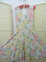 VINTAGE viscose pastel floral boho/festival 40s style fit & flare  tea dress S