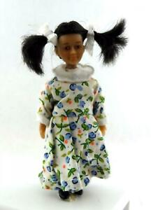 Dolls House Merry Meeting Little Girl Lily Lee Miniature 1:12 Asian People