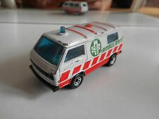 Matchbox VW Volkswagen Transporter T3 Ambulance in White/Orange