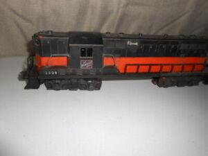Lionel Train 2338 Milwaukee Road GP7 Locomotive 0 Gauge for parts or Repair
