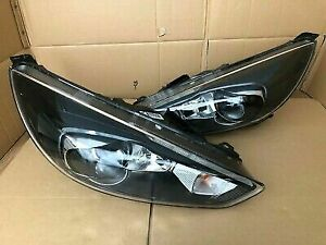 Ford Focus RS xenon/projector headlights pair. (Brand new + complete)