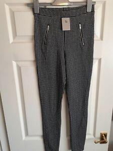 Brand New Black & White Check Leggings size 8