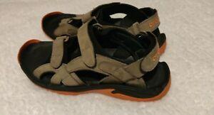 Crocs Mens 12m Golf XTG LoPro Comfort Outdoors  Sandals walnut color.