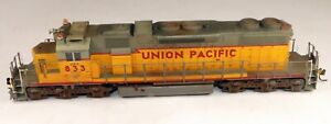 KATO #37-6511 SD38-2 Powered Diesel Locomotive UP #Y833 DCC/Sound 1/87 HO Scale