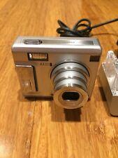 Fujifilm FinePix F440 4.1 MP Digital Camera with cradle and accessories