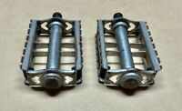 VINTAGE RAT TRAP STYLE PEDALS + REFLECTORS from a SCHWINN CALIENTE 9/16""