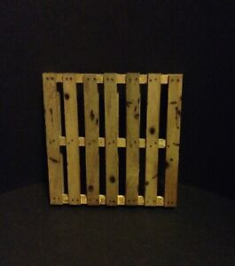 """Miniature Weathered Shipping Pallet 4"""" x 4""""  Action Figure 1:10 1:12 1:6"""