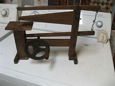 ANTIQUE WOOD & CAST IRON HAND CRANK INDUSTRIAL TABLE SCROLL SAW primitive