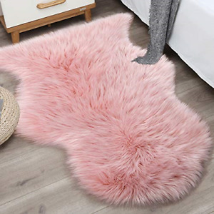 Noahas 2ft x 3ft Faux Fur Sheepskin Rugs Luxury Fluffy Rug for Bedroom Sofa Home