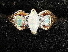 10k yellow gold opal ring Lot KK