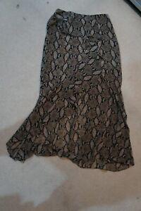 Goen.J BNWT lizard print skirt sz UK 10 US 6