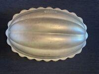 Vintage MIRRO aluminum mold oval melon shape ribbed fluted U.S.A.