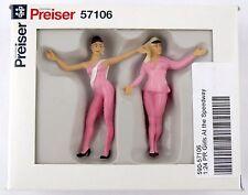 1:24 Scale PR Girls at the Speedway Figures (2) - Preiser #57106