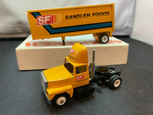 Winross Sandler Foods Tractor Truck With Pup Trailer 1/64 Scale Diecast