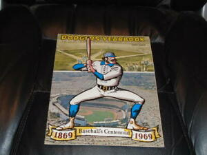 1969 LOS ANGELES DODGERS BASEBALL YEARBOOK  NEAR MINT