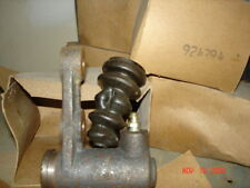 Jeep Clutch Slave Cylinder, Wagoneer - Truck 230 - 924794