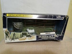 Soldiers of The World 2000 Battle Scenes Accessories Medical Set