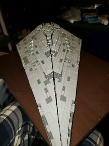 LEGO STAR WARS FIRST ORDER STAR DESTROYER ( ALREADY BUILT)