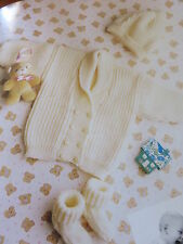 babys jacket hat and socks 8 ply