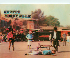 3D Lenticular Postcard Knotts Berry Place and Ghost Town Gunfight Train Robbery
