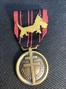 Médaille Résistance française avec insigne militaire FFI RAC Dordogne
