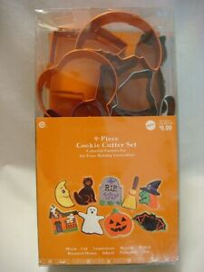 Wilton Halloween Assorted Cookie Cutter 9 Piece set 2007 – COLORFUL Metal - NEW