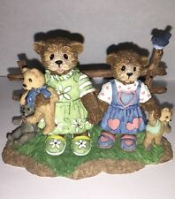 """Honeybourne Hollow Bear Figurine """" Old Friends Are The Best Friends�"""