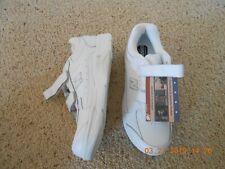 ~ NIB ~ Men's New Balance Hook & Loop close White Walking Shoes ~ 8 ½ D ~