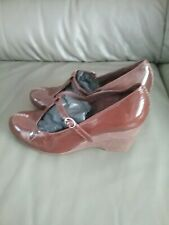 CLARKS TAN PATENT LEATHER T.BAR SHOES SIZE 5