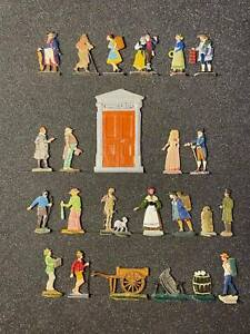 Flat tin soldiers, 24 figures, A set of items for creating tin dioramas.