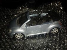 Volkswagen New Beetle Convertible 1/25 Scale Model Car ~ Maisto
