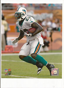 Ronnie Brown Unsigned 8 X 10 Photo Miami Dolphins