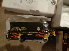ACTION 1:32  DALE JARRETT UPS FLAME VAN  2001 Limited Edition  # 101641