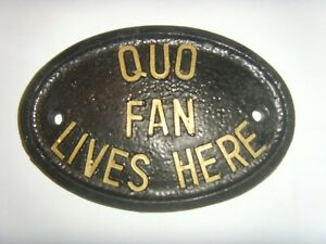 QUO FAN LIVES HERE   STATUS QUO ROSSI PARFITT LANCASTER SIGN Gold/Silver Letters