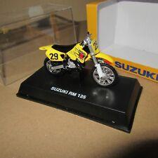 NEW RAY MOTO SUZUKI RM 125 JAUNE 1:32