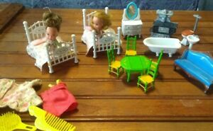 """""""THE LITTLES"""" Metal Doll House Furniture stove table couch dolls Bed Sofa Lot 80"""