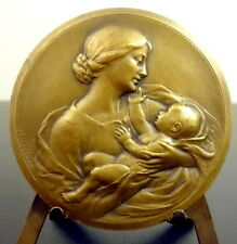 Médaille Mère et enfant l'amour maternelle  Mother and child maternal love Medal