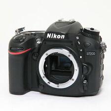 [Near Mint] Nikon D7200 24.2 MP Digital Camera Body Black w/ Charger