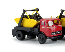 Brekina 48029 MB LP 328 Absetzkipper mit Schrottladung - rotes Fahrerhaus, H0