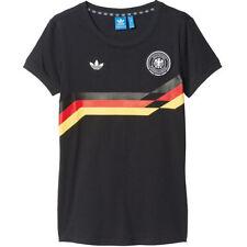 Abbigliamento da uomo adidas dalla Germania