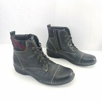Clarks Whistle Bea Black Pebbled Leather Ankle Boots Shoes Womens Size 8.5