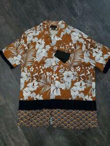 Zara button down graphic shirt size Medium