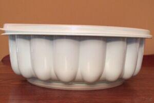 Vintage Tupperware 3pc Jello Mold Ice Ring Green w/ Lid # 1201 1202  1203
