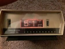 Vintage 70's GE Lighted Dial Flip Alarm Clock. Modle 8139-3. Works!