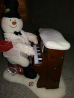 Hallmark PIANO Playing Singing Snowman Plush JINGLE PALS 2005 w/Tag Working