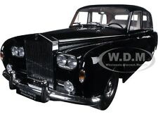 1964 ROLLS ROYCE PHANTOM V MPW BLACK 1/18 DIECAST CAR MODEL BY PARAGON 98213