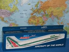 1/200 SKYMARKS ALITALIA AIRLINES BOEING B777-200 W/GEAR AIRCRAFT MODEL BRAND NEW